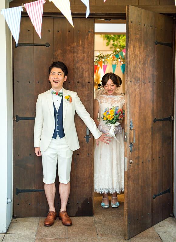 新婦の花嫁姿を待ちわびた新郎♪ファーストミートの瞬間がきた♪
