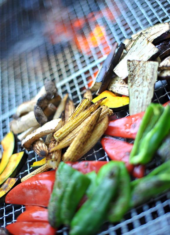 """夏のウェディングはフォーマルブッフェにこの""""BBQウェディング""""がおすすめ!炭火焼も鉄板焼きもできる♪"""