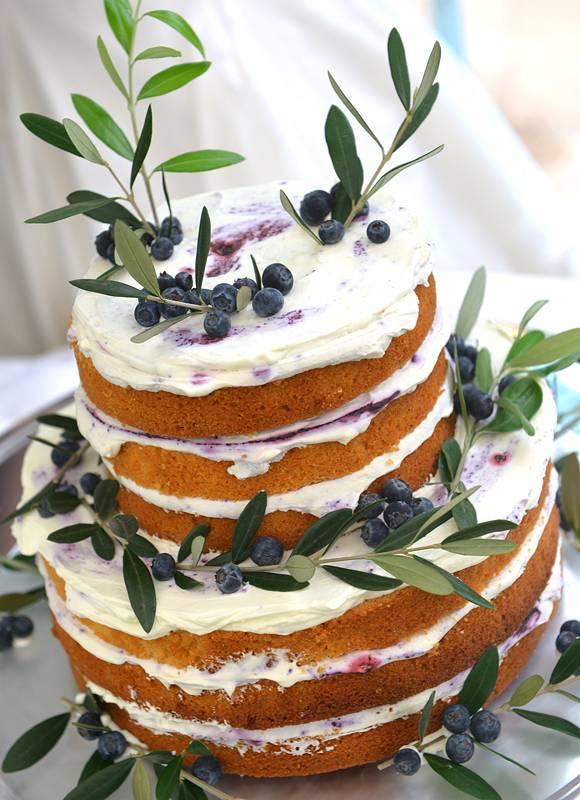 おふたりのおしゃれなこだわりが出せるデザインケーキ♪